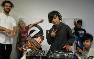 Plattenkratzer Saint One DJ Jugendkunsthaus Esche Mirko Machine