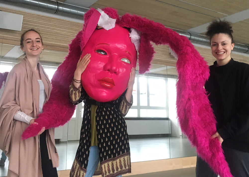 Theater Performance Maske Jugendkunsthaus Esche
