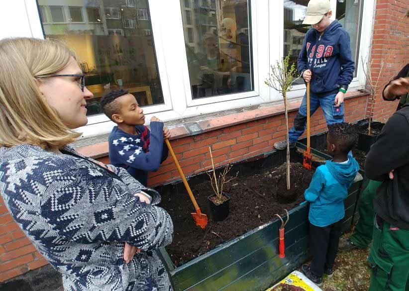 Urban Gardening Garden Art Ganztagsschule an der Elbe Esche Jugendkunsthaus