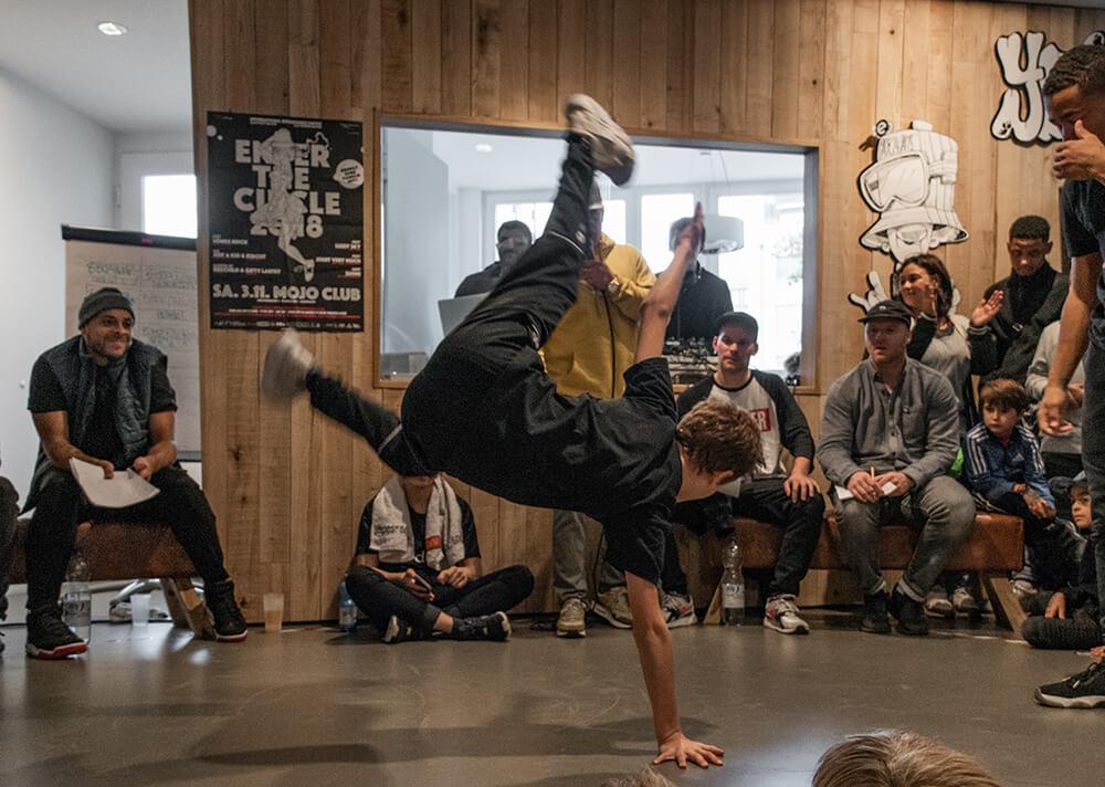 Back 2 Four Hip Hop Jam Breakdance Esche Jugendkunsthaus Caroline Leuzinger @kayrow_official www.kayrow.com