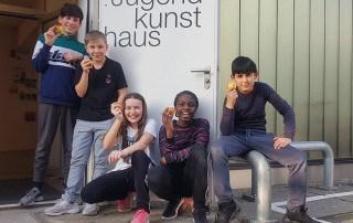 Rewe Sasa Surdanovic Äpfel Esche Jugendkunsthaus Förderer Spende